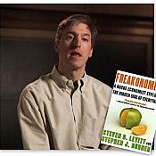 Thumbnail : S.H.A.M.E. Profile: Freakonomics Author Steven Levitt is an Anti-Labor, Pro-Prison Neoliberal Extremist